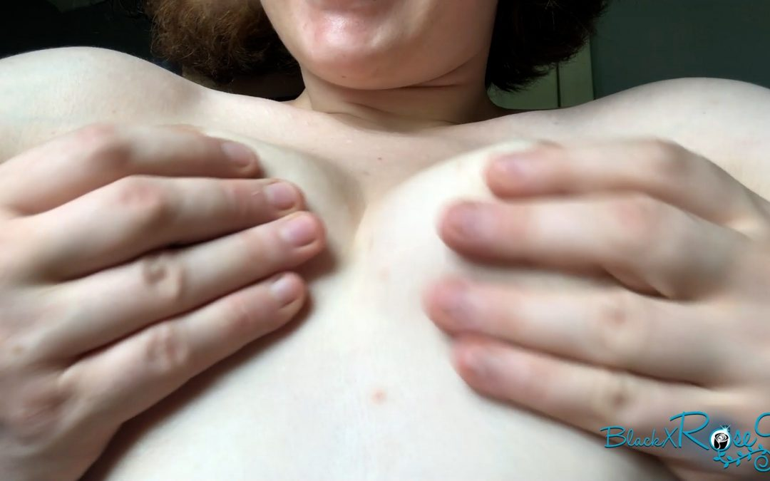 Tittieo: All Natural MILF Titty Squeezing